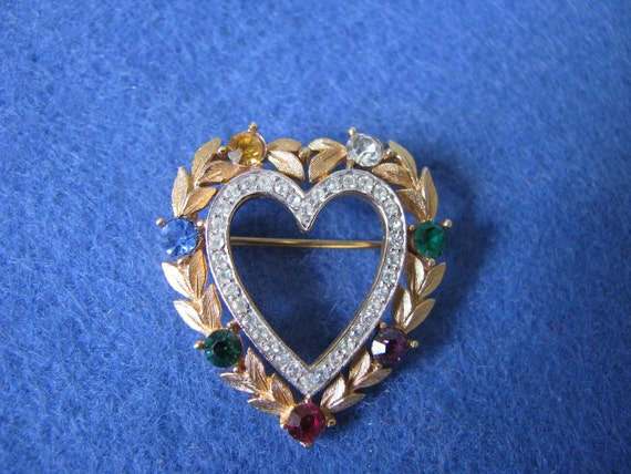 "TRIFARI (Crown)  ""Dearest Pin"""