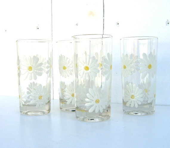 Vintage Kitchen Glasses : Capri of California Daisies