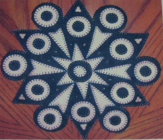 16 inch Snowflake Penny Rug pattern