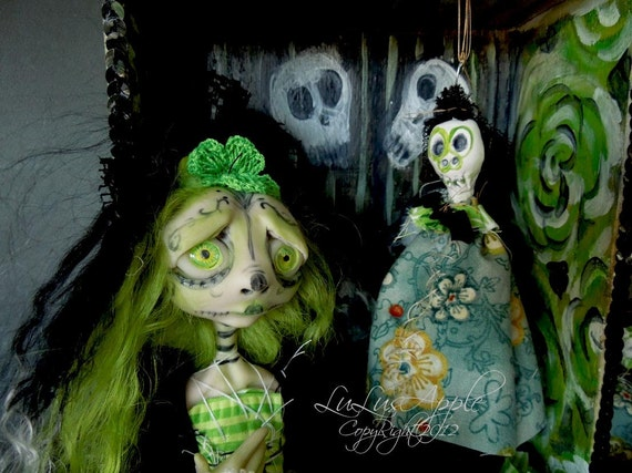 Art doll Dia de los Muertos day of the dead OOAK Shadowbox Green Aracely RESERVED