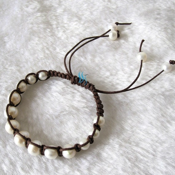 Pearl Bracelet - 7-9 inches 7-10mm White Graduated Freshwater Pearl Bracelet ( Coffee String ) - Free shipping