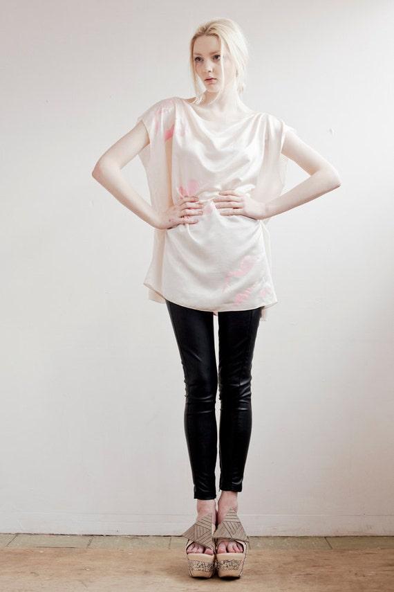 Sale Silk Swan Tee in Light Pink