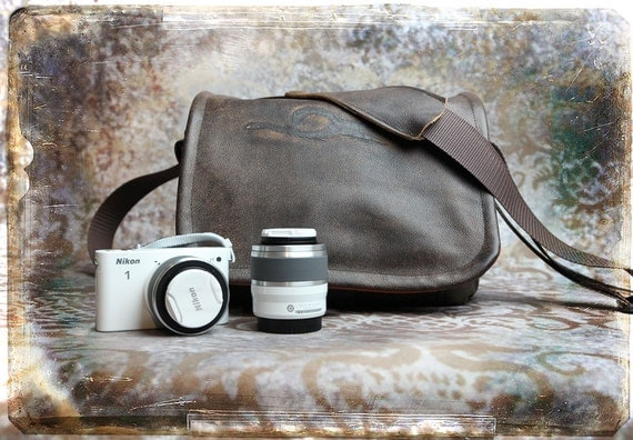 Custom Listing for Melissa - Leather Camera Bag - NEW SIZE - Mirrorless Compact Camera System