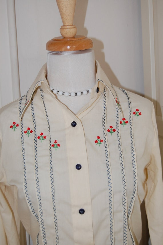 60s 70s Western Shirt, Blouse with Embroidered Red Flowers, Size Medium