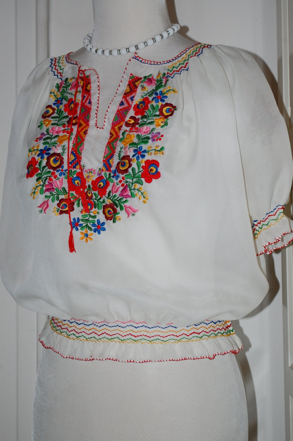 Vintage 60s 70s Embroidered Blouse Peasant Blouse Hungarian