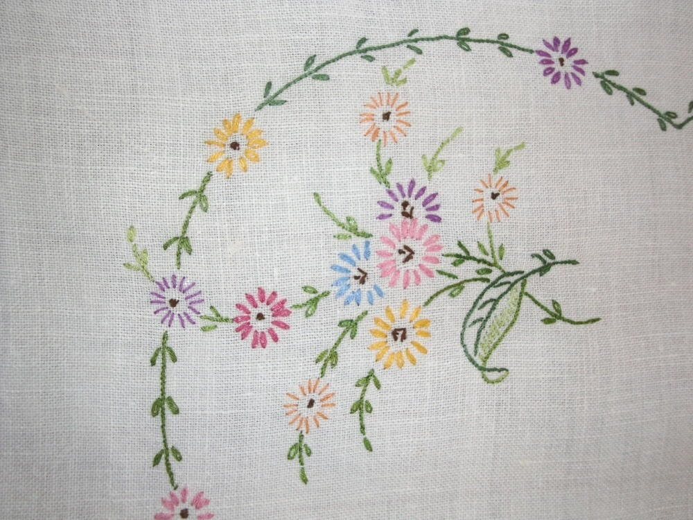 Vintage Tablecloth Hand Embroidery Perfect Cottage Or Shabby
