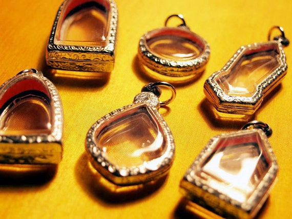 6 Pendant Trays, Engraved Silver Tone, Clear, Blank Pendant, Amulet Locket Cases, Deep Shadow Box - ONLY 4.50 DOLLARS EACH