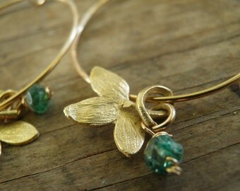 MOTHERS DAY SALE August Birthstone Color, Green Aventurine Petal Hoops, Large Gold Hoops, 3 cm / 1 inch, End Of Summer Sale, Gold Hoops