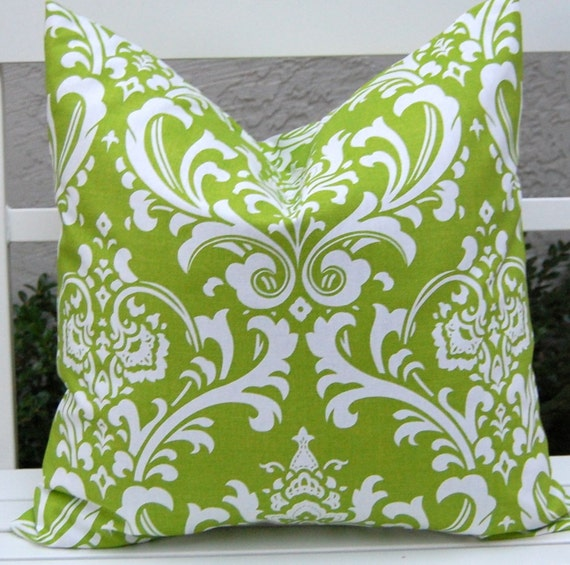 damask accents in green - photo #7