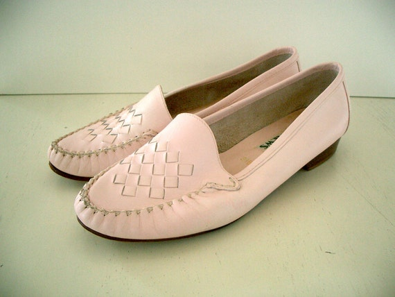 VINTAGE SUPER SALE Rave Reviews Pink Leather Loafers - Size 8