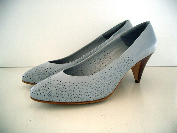 VINTAGE 80's Perforated Leather Heels by Nickels - Size 10.5