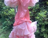 1980's Alyce Designs Vintage Peach Sequined and Frilled Formal - Size 6
