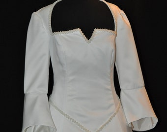Ivory Renaissance Wedding Gown   Size 14