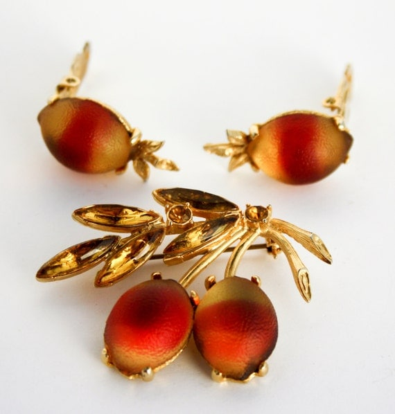 Vintage Frosted Glass Fruit Set - Brooch and Earrings - Unsigned