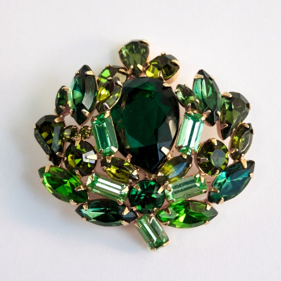 Vintage Signed WEISS Rhinestone Brooch - Shades of Green