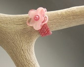 Glass Bead Pink Flower Rose Band Ring
