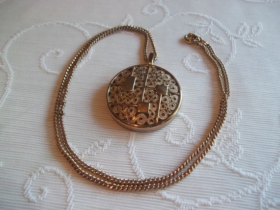Sarah Coventry Gold Toned Large Round Pendant Mod Necklace