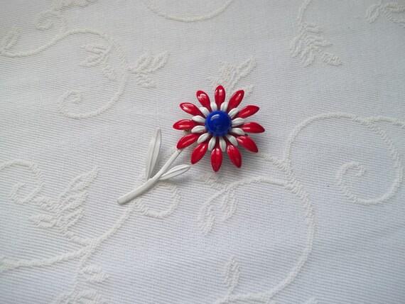 1960's Enamel Flower Brooch