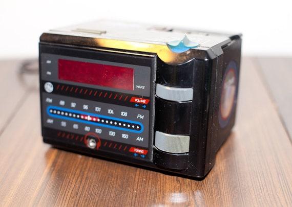 1980s AM/FM Alarm Clock Radio Night Jammer P Jammer