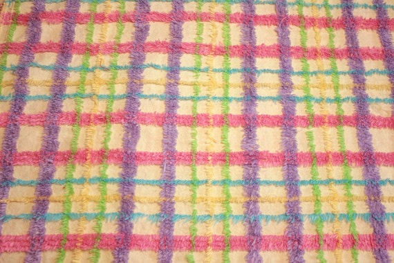 Cheerful Plaid Vintage Chenille Bedspread Fabric - 24 x 18 Inches