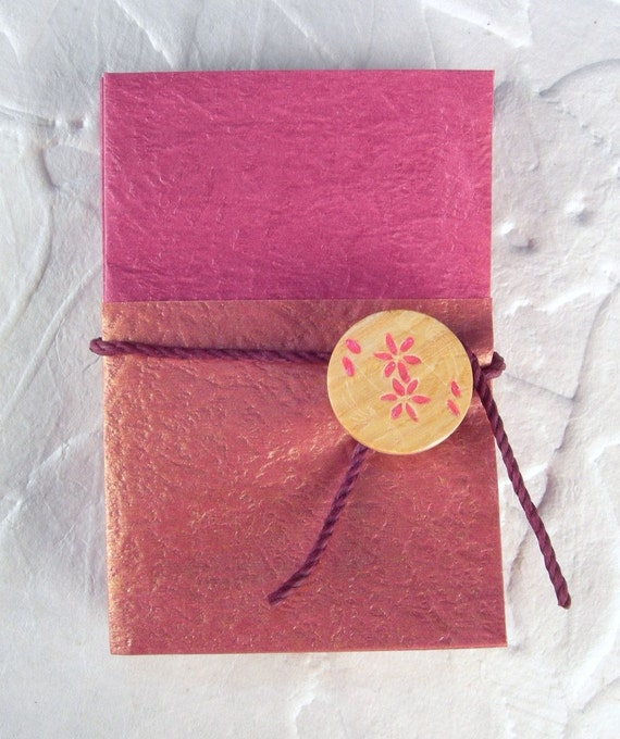 Accordion Gift Card Holder with Mauve Chinese Paper and Flower Wooden Brad