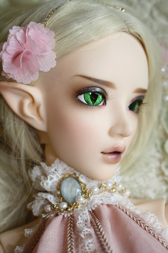 BJD eyes available in 12/14/16/18/20/22/24mm Deep Emerald Electra made to order