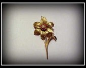 "Awesome 1960's Boucher ""Narcissus"" Gold Tone Flower Brooch/Pin"