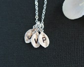 Leaf initial necklace, sterling silver chain - personalized leaf necklace, silver jewelry, family necklace, friendship, birthday names