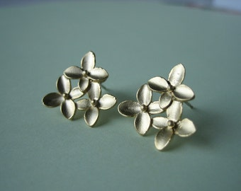 Simple hydrangea earrings - wedding jewelry bridesmaid gifts birthday gift simple earrings