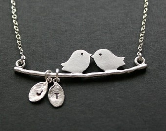 Custom bird necklace, initial necklace, personalize necklace, leaf necklace, silver bird jewelry, christmas gifts, family necklace