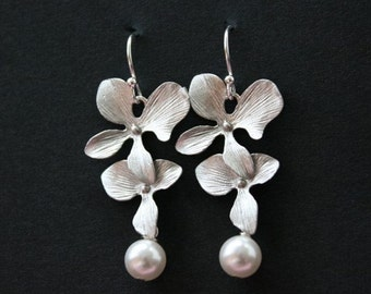 Orchid earrings, orchid and pearl earrings, wedding jewelry, bridesmaid gifts, orchid jewelry, flower earrings, silver orchid white pearl