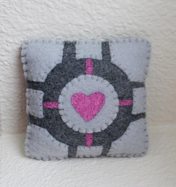 Portal Companion Cube Magnet