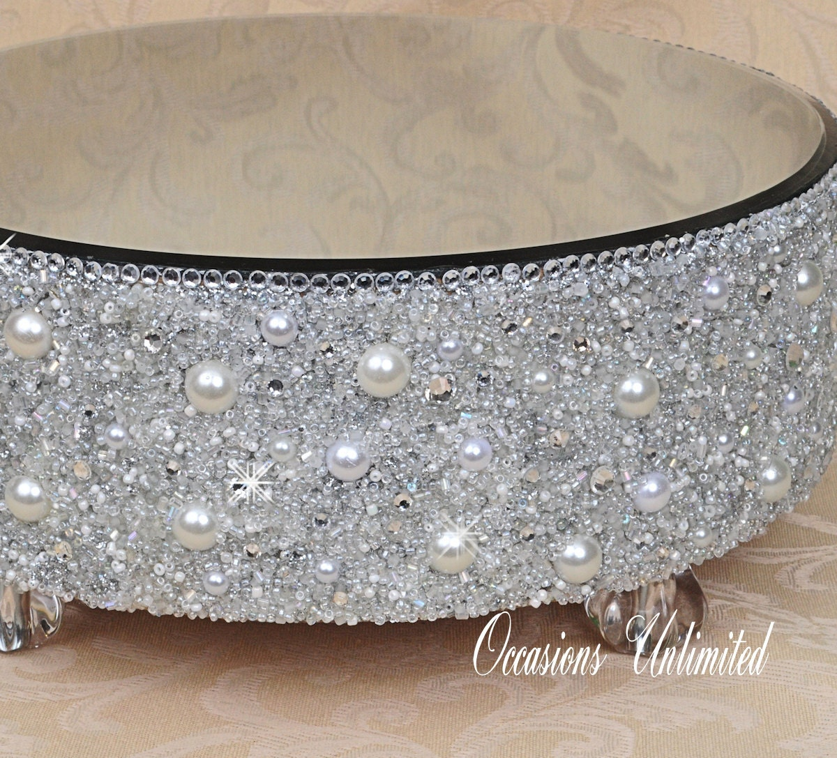 Love the bling...would also be pretty with a satin ribbon instead ...