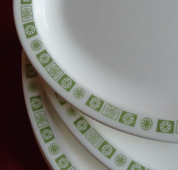 6 Buffalo China Restaurant Ware Oval Lunch Platter Green Snowflake Plates 1970s