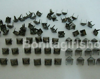 100 PCS. 11.00 mm.  Gunmetal Pyramid Studs