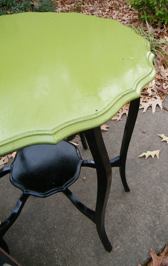 Table Vintage Occasional in Moss Green and Glossy Black Upcycled