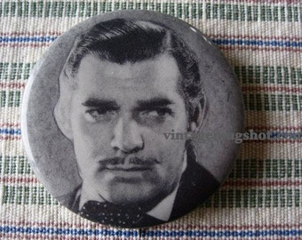 CLARK GABLE VINTAGE  SIXTES PHOTO CELEBRITY BUTTON EX GONE WITH THE WIND