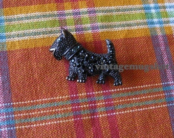 Vintage Scotty Dog Jet Pin Excellent  1 1/2 Black