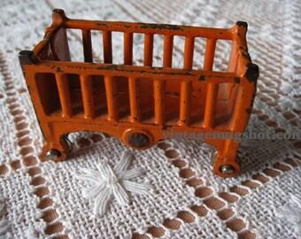 Vintage 20's 30's Cast Iron Kilgore toy crib exc orange 2.5 inches Dollhouse