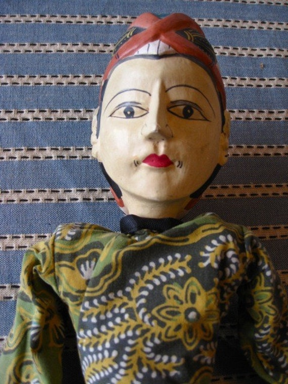 SALE SALE SALE - Folk Art Vintage Woman Puppet  Vintage  Painted Head Moves