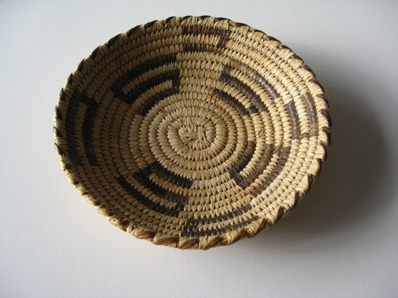 How To Hand Weave A Basket : Native american vintage indian basket old weaving hand woven