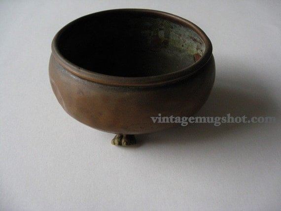 """Arts and Crafts Period  Copper Bowl 3 1/4"""" Claw Foot Hand made Very Old"""