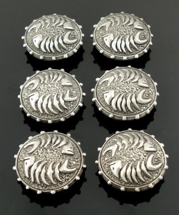 FISHBONE pewter buttons - lot of 6 - Antiqued Silver