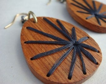 Embroidered Wood Black Burst