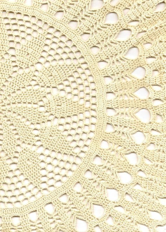 Crochet doily, lace doily, table decoration, crocheted place mat, centre piece, doily tablecloth, napkin, antique cream, handmade doilies