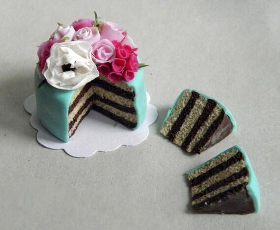 The Wonderland Garden Cake - Large - Dollhouse Miniature in 1:12 scale