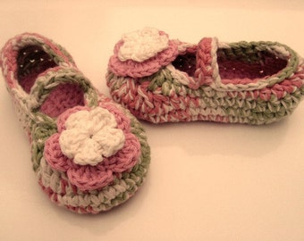 SALE!!! Cotton child/girl Mary Jane slippers with 2 dimensional flower in soft pink and english rose garden (soft pink, soft green, cream)