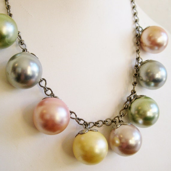 Vintage 50s Spring Pastels Bubble Gum Pink Ball Charm Necklace