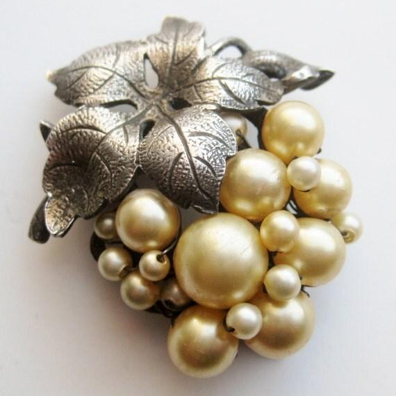 Vintage 40s Sterling Silver Baroque Pearl Designer Fur Clip