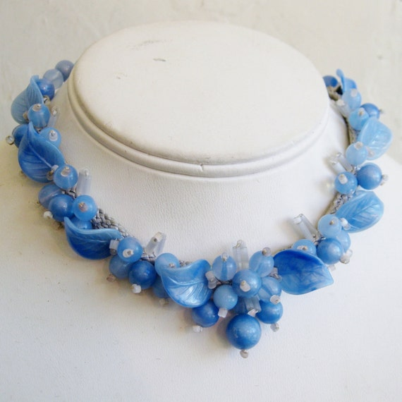 Vintage 40s Blue Hawaii Exotic Hawaiian Beaded Flowers & Leaves Choker Lei Necklace